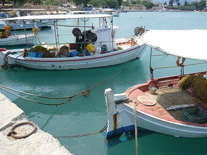 Κιβέρι το λιμάνι με τις ψαρόβαρκες