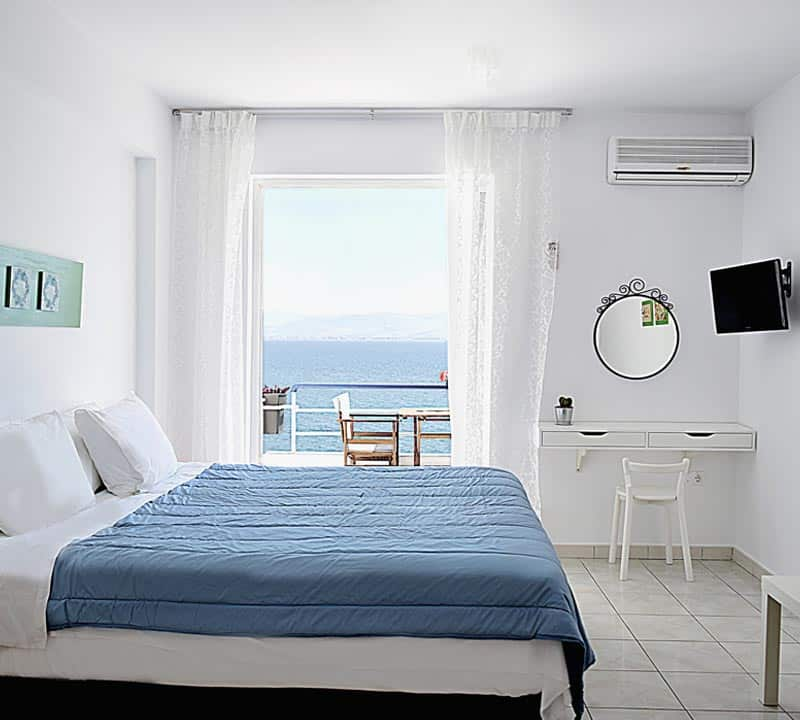 Nafplio beachfront studio apartment-Meli holiday rentals-Kiveri-Greece